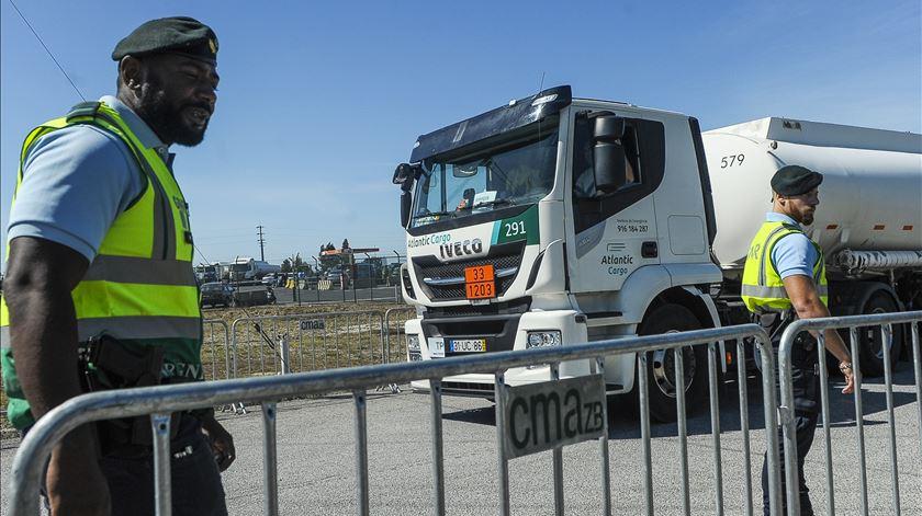 Governo decreta serviços mínimos para a greve dos motoristas de matérias perigosas