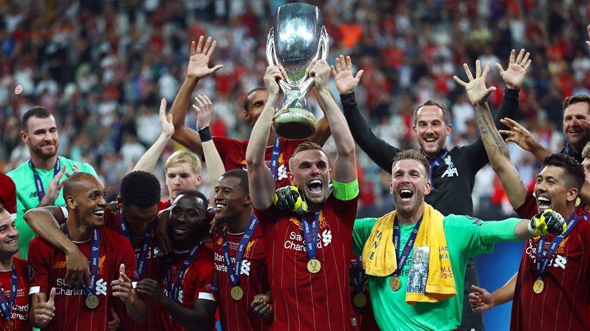 Liverpool conquista Supertaça europeia. Foto: Sedat Suna/EPA