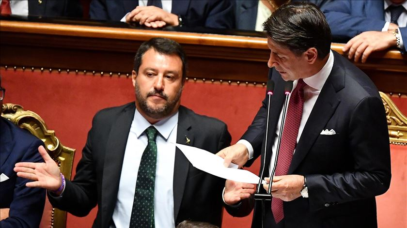 """Eleições? No, Matteo... Luigi di Maio """"trama"""" Salvini e pretende formar """"maioria sólida"""" com socialistas italianos"""