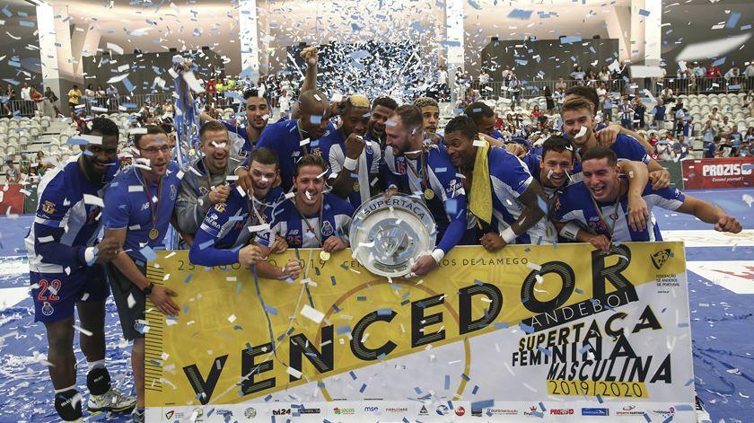 FC Porto conquista Supertaça de andebol