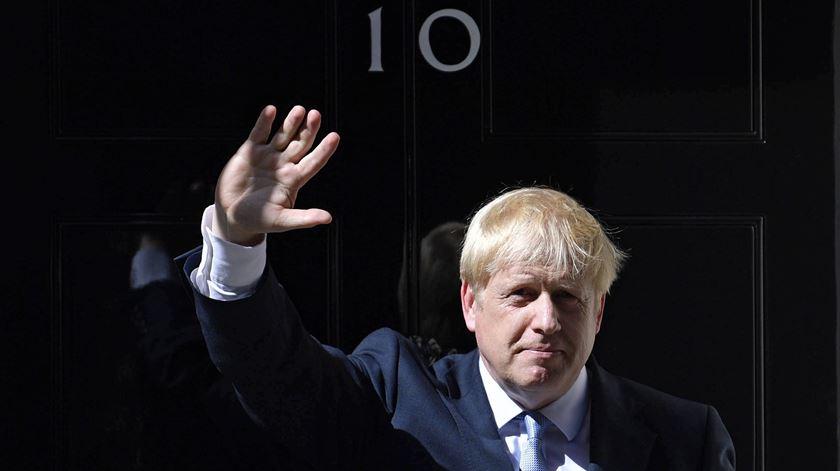 Do primeiro caso detetado no país ao internamento de Boris Johnson. Recorde os principais momentos (até agora) da pandemia no Reino Unido