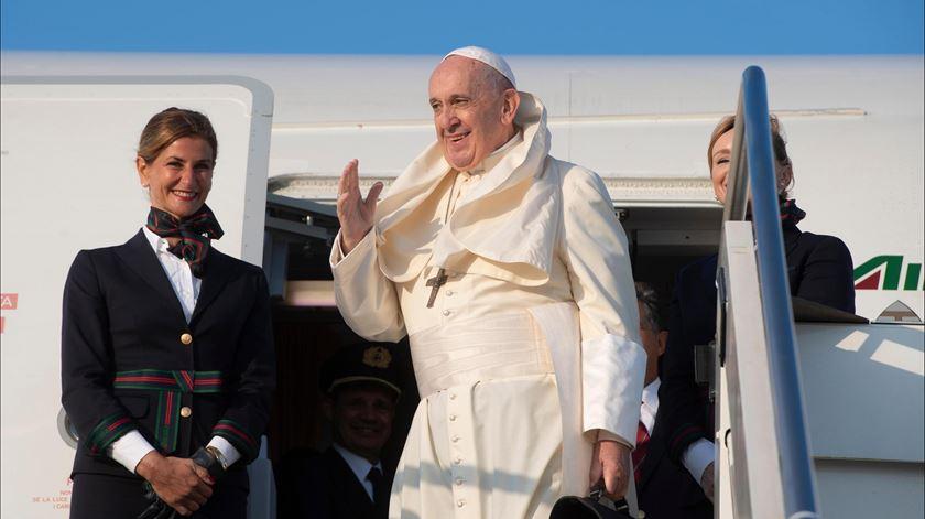 Papa conversou com jornalistas a caminho de Moçambique - Reportagem de Aura Miguel