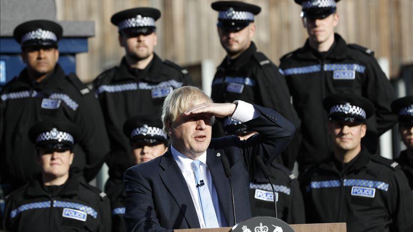 "Boris Johnson prefere ""morrer numa valeta"" a adiar o Brexit"