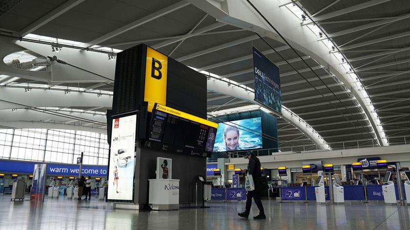Limitar viagens entre países europeus não combate a transmissão da Covid-19