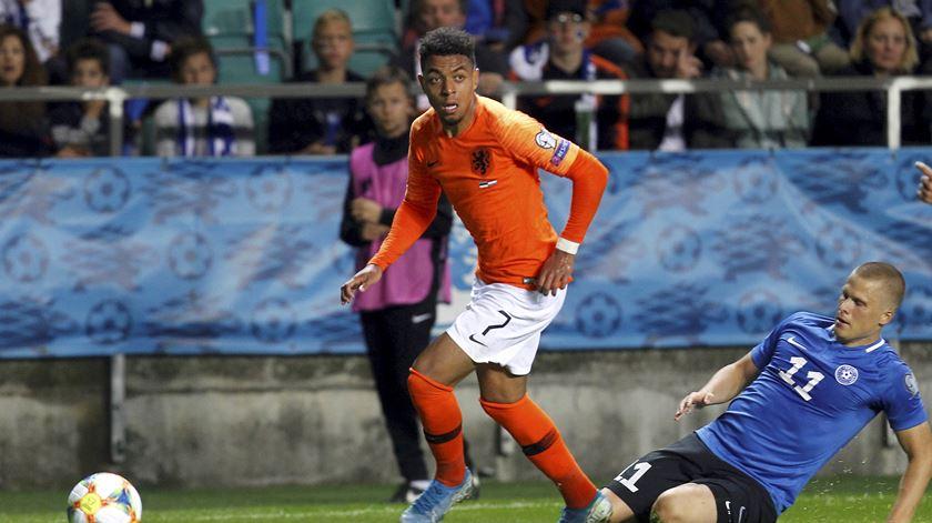 Manita de Malen na vitória do PSV