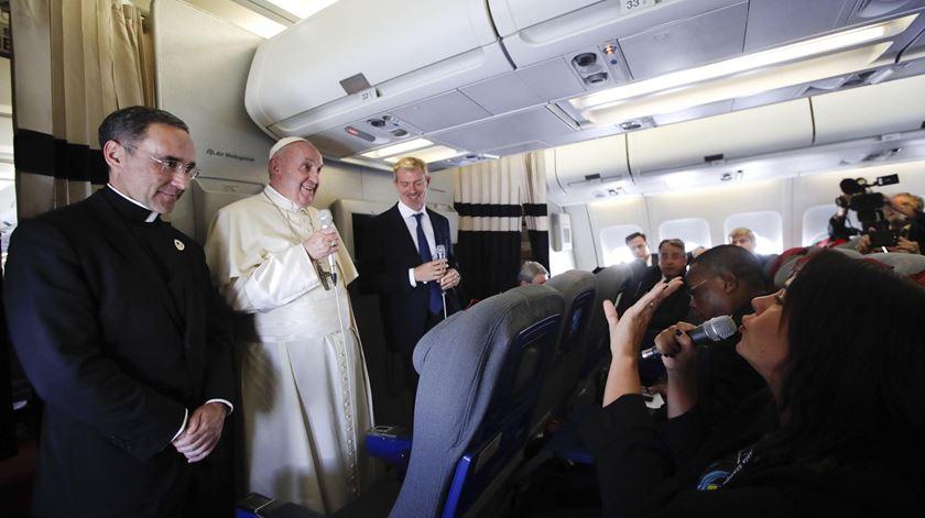 """Papa reza pelo diálogo. """"O caminho do cisma não é cristão"""""""