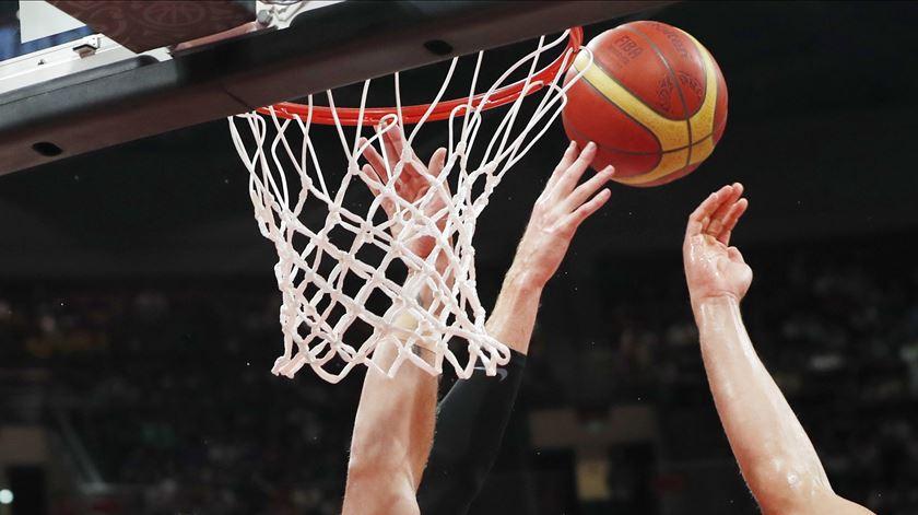 Euro de basquetebol adiado para 2022 para fugir aos Jogos Olímpicos
