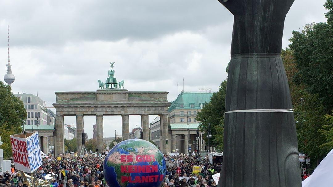 Berlim parou pelo planeta. Foto: Hayoung Jeon/EPA
