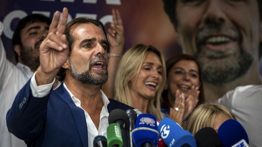 """PSD já falou com CDS para formar """"Governo de coligação"""" na Madeira. PS quer fazer """"geringonça"""""""