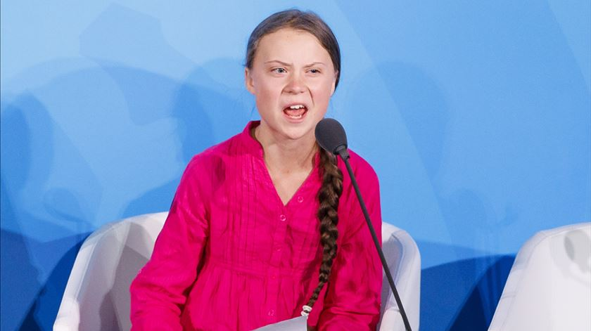 """""""Vocês roubaram os meus sonhos e a minha infância com as vossas palavras vazias"""". Greta Thunberg condena inação climática"""