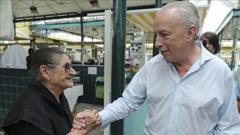 Santana Lopes apela aos abstencionistas. Deem uma oportunidade ao Aliança