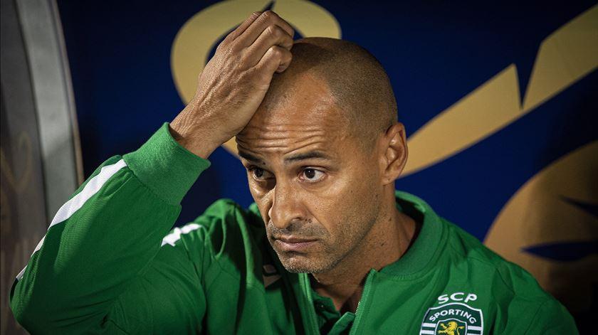 """José Pereira falou com Silas, mas reafirma: """"Não está qualificado para ser treinador"""""""