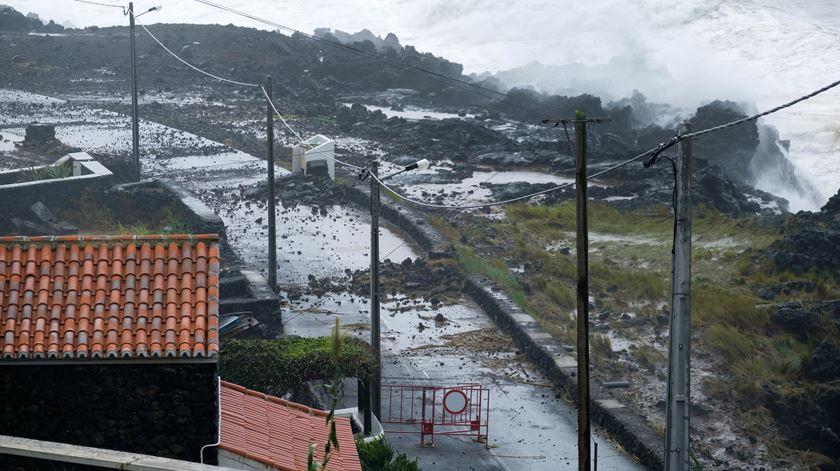 Governo vai pagar 85% dos estragos e agilizar processo de recuperação nos Açores