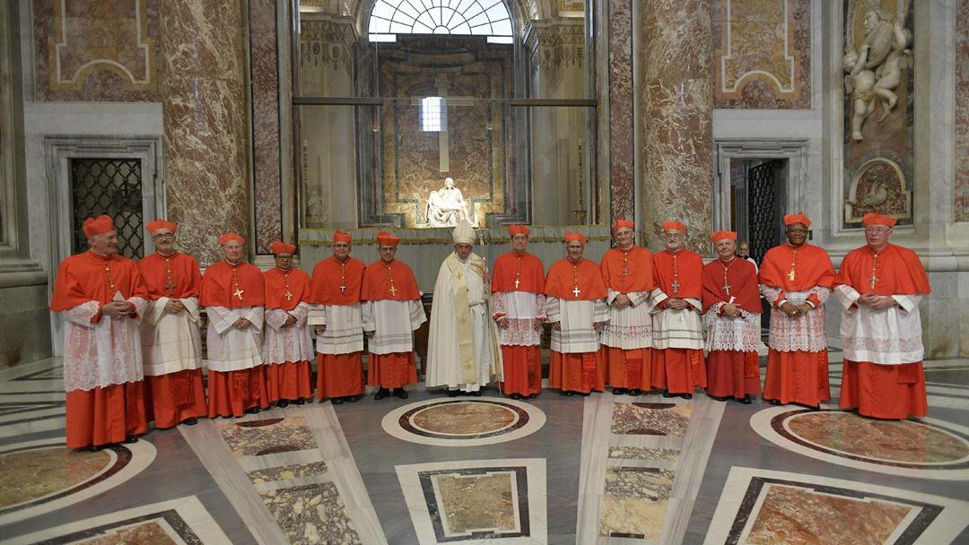 Portugal teve até hoje com 46 cardeais, a começar pelo chamado Mestre Gil, escolhido pelo Papa Urbano IV (1195- 1264).