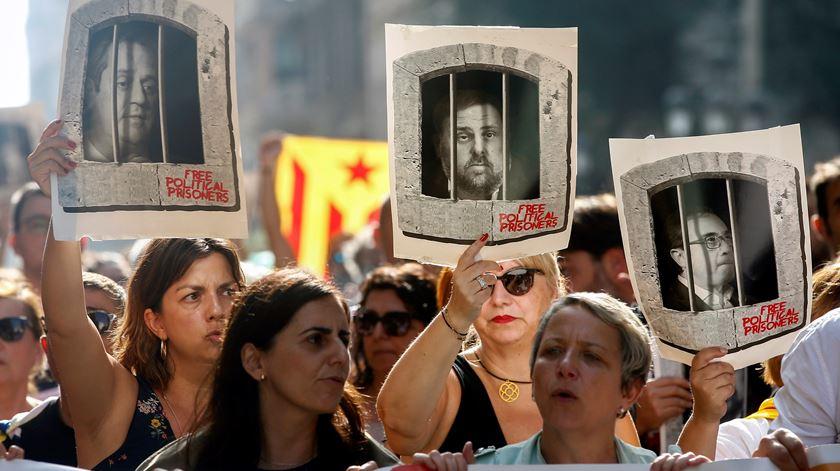 Sentenças de independentistas provocaram protestos. Foto: Toni Albir/EPA