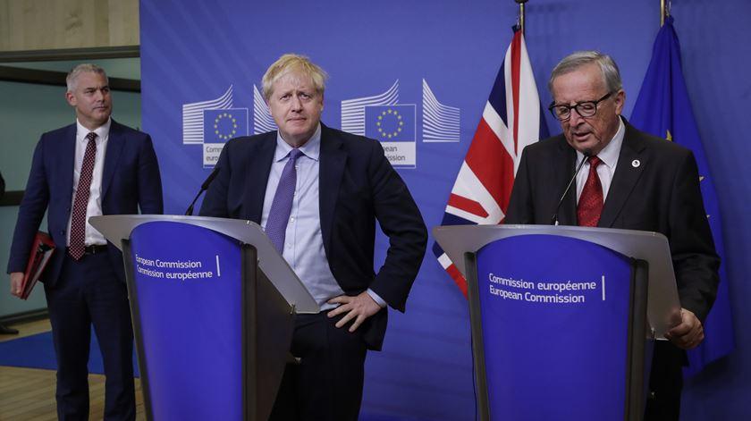 """""""Estou contente com o acordo, mas triste com o Brexit"""""""