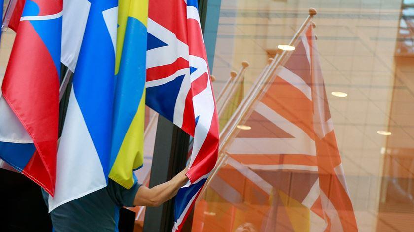 Brexit. Reino Unido admite abandonar negociações se não houver progressos até junho