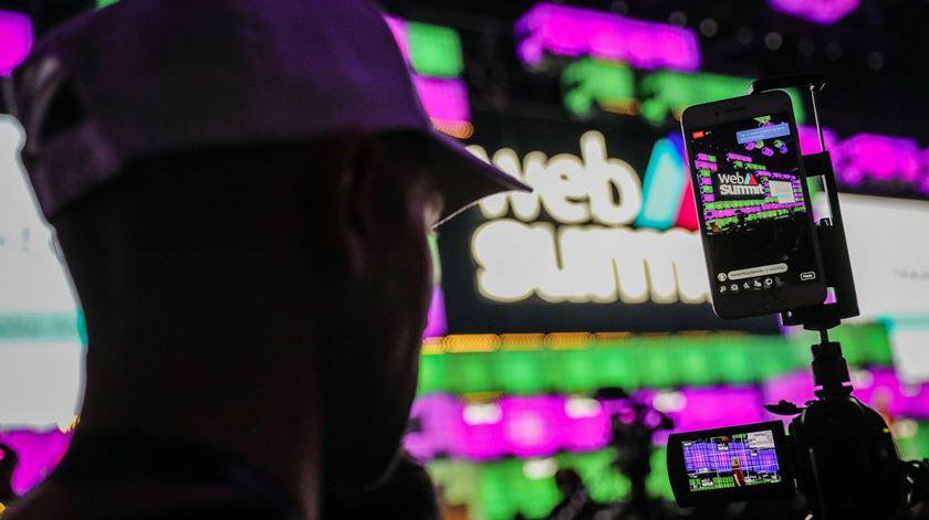 """Quanto custou a Web Summit? A cimeira muito """"trendy"""" e pouco transparente."""