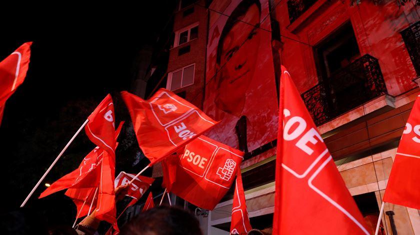"""Da """"moção de censura a Sanchéz"""" ao apelo à """"responsabilidade e generosidade"""". As reações à noite eleitoral espanhola"""