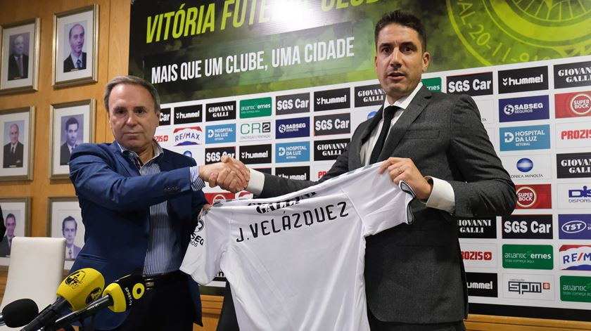 Julio Velázquez regressa a Portugal e assume comando do Vitória de Setúbal