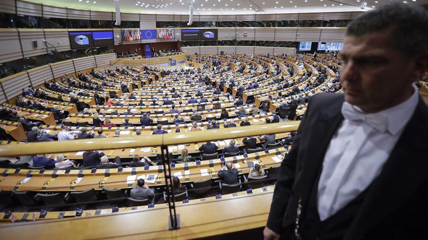 """Europeístas querem mudar funcionamento da UE. """"É hora de renegociar o Tratado de Lisboa"""""""