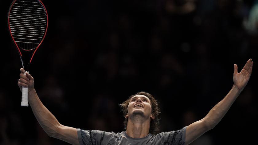 Zverev nas meias-finais das ATP Finals