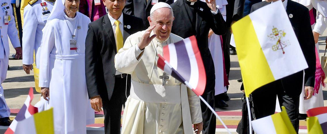 Francisco já aterrou em Banguecoque para uma visita de três dias à Tailândia