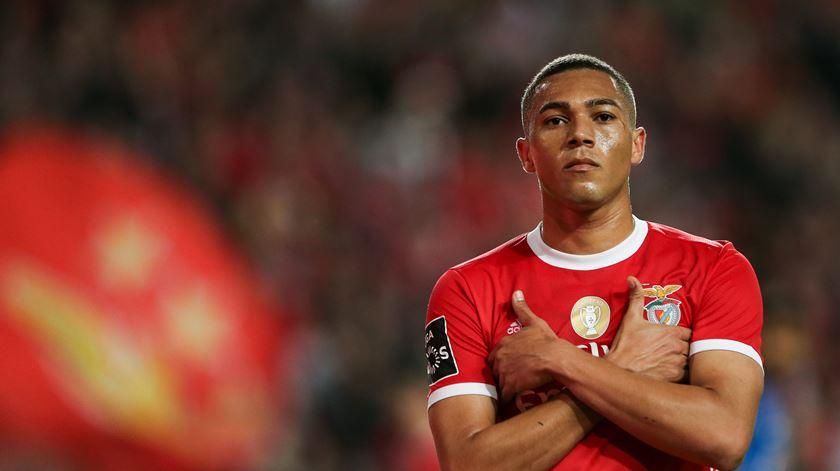 Carlos Vinícius eleito melhor jogador do mês da I Liga