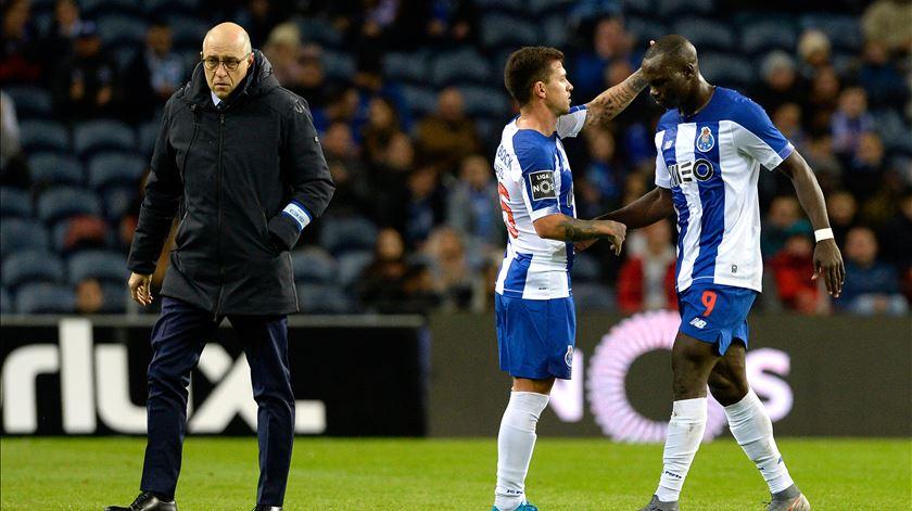 Porto prepara Feyenoord já com Aboubakar e Baró integrados
