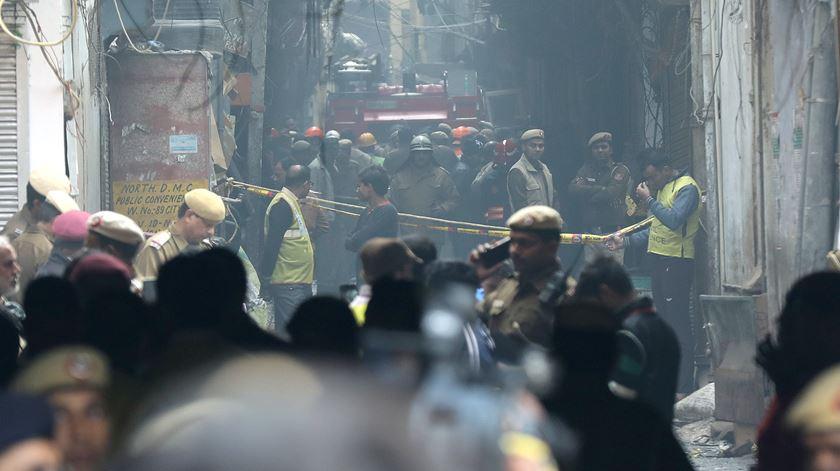 Nova Deli. Incêndio mais mortífero dos últimos 20 anos faz 43 mortos numa fábrica