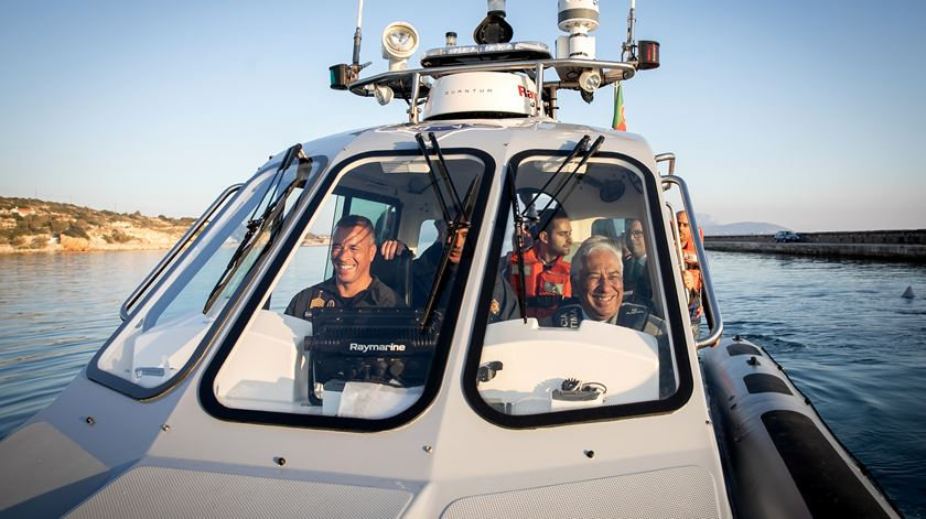 António Costa visitou missão da Polícia Marítima, na ilha de Samos, Grécia. Foto: Paulo Vaz Henriques