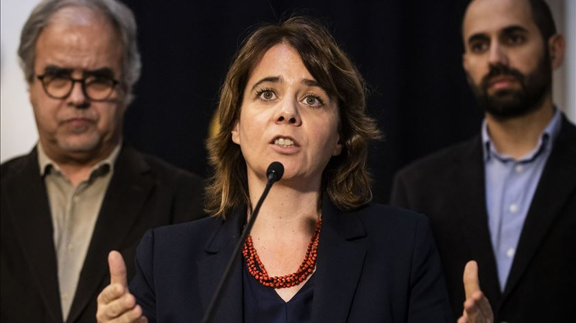 """Dia da Europa. Há uma """"justificada crise de legitimidade da UE"""", diz Catarina Martins"""