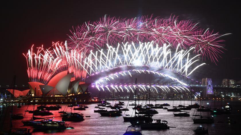 Está aí 2020. Do fogo de artifício na Nova Zelândia aos incêndios na Austrália