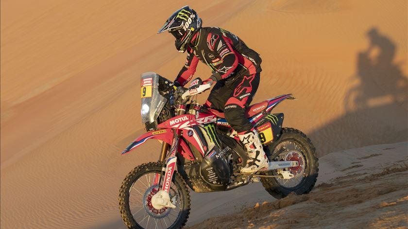 Brabec e Honda a um dia de fazer história no Dakar