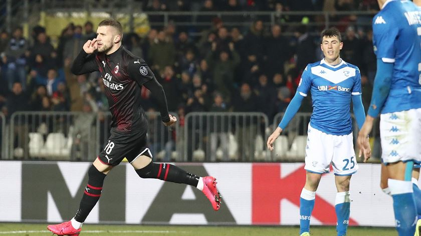 AC Milan bate Torino e aproxima-se da Europa