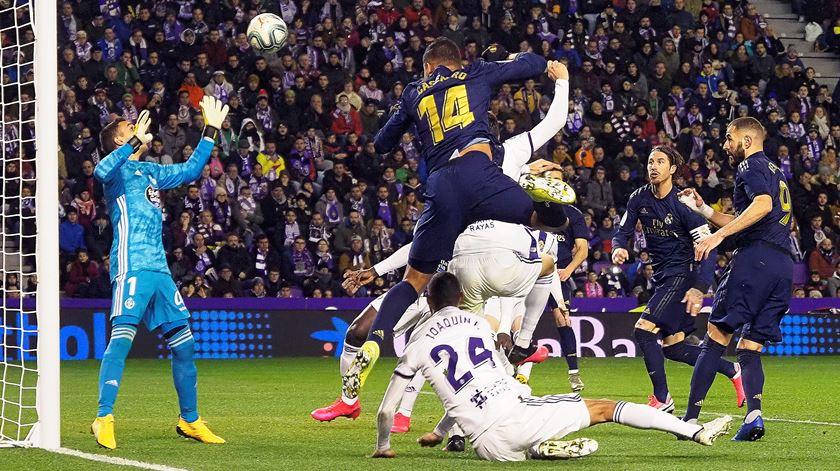 Nacho coloca Real Madrid na liderança