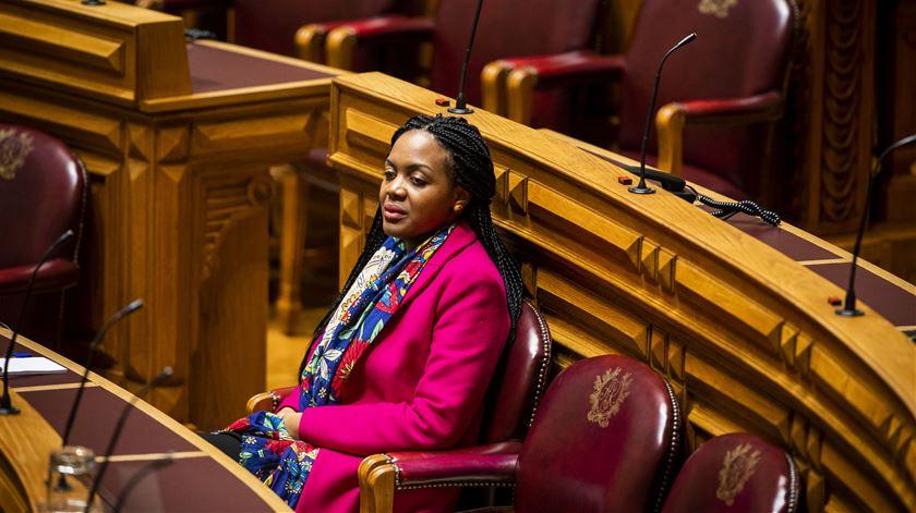 """""""Eu nasci para estar"""" no Parlamento, diz Joacine"""