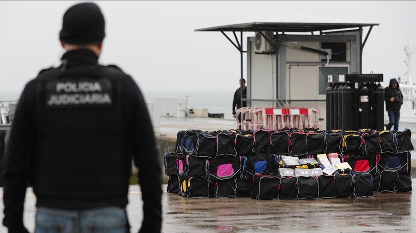 Resultado de imagem para Veleiro intercetado ao largo de Portugal com 1.820 kg de cocaína