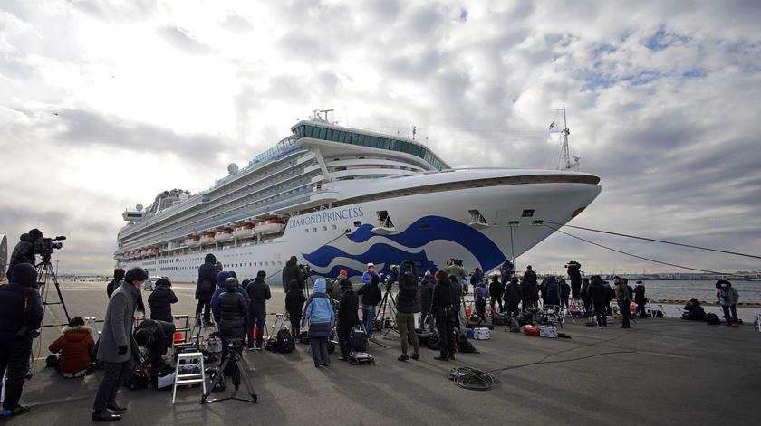 Coronavírus. Sobe para 20 o número de casos confirmados a bordo de cruzeiro japonês