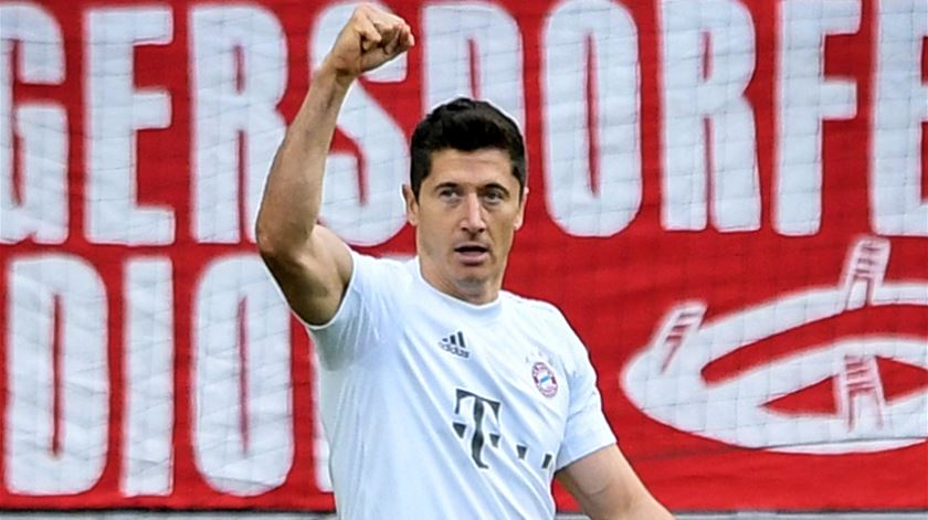 Bayern é líder