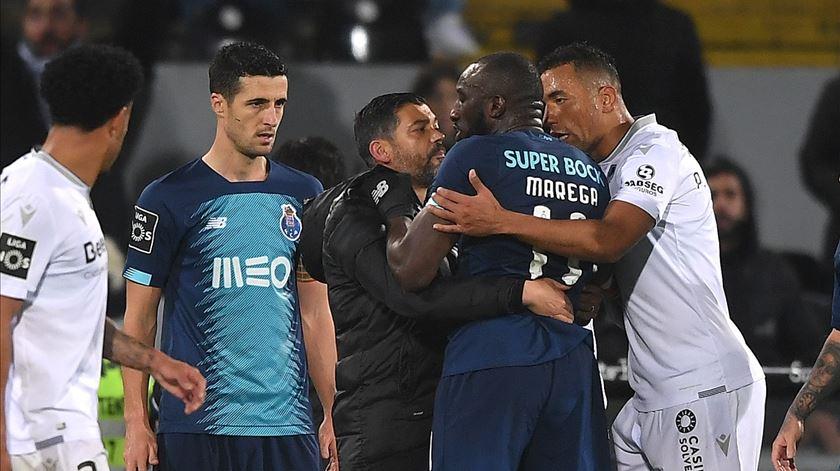 """Vitória de Guimarães """"não podia ficar indiferente"""" aos insultos a Marega"""