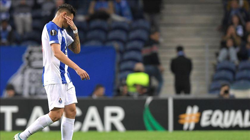UEFA castiga Soares com três jogos de suspensão