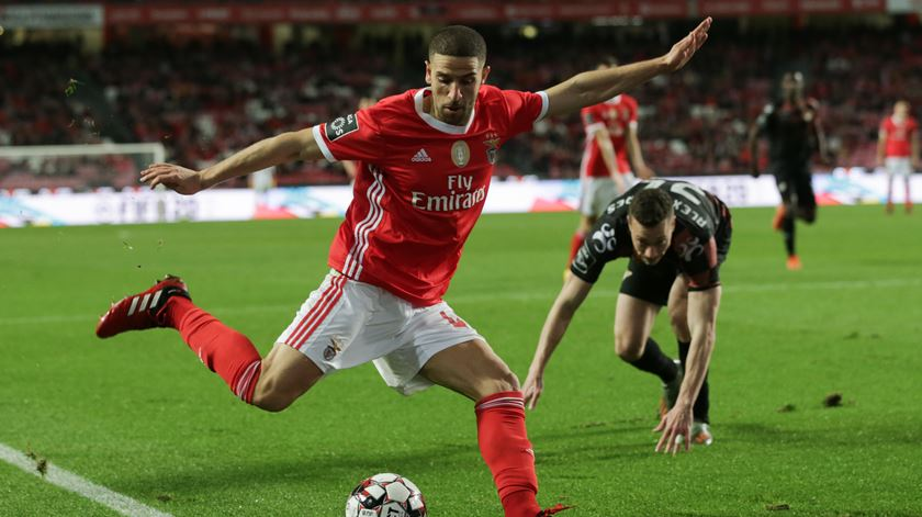 Taarabt falha receção do Benfica ao Moreirense