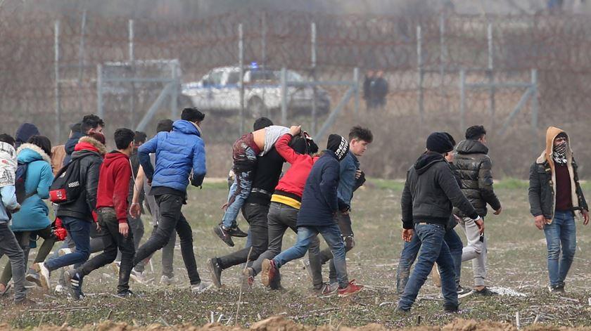 Sismo de magnitude 5,7 na Turquia fere três militares