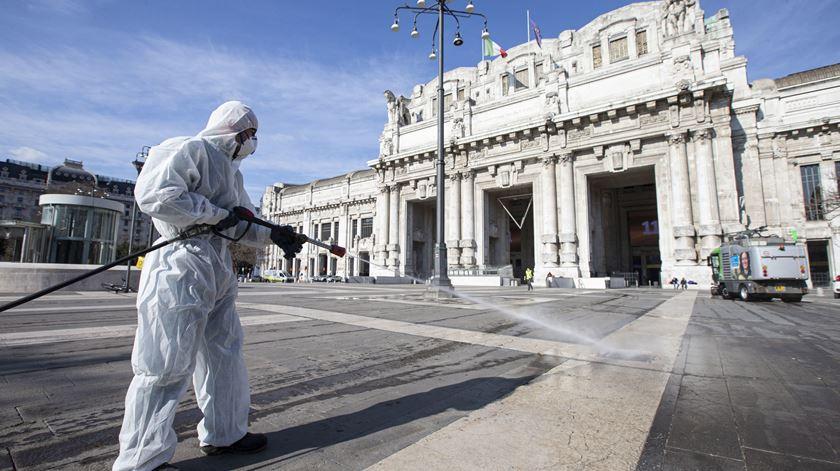 Itália regista 87 mortes e mais de 500 novos contágios nas últimas 24 horas
