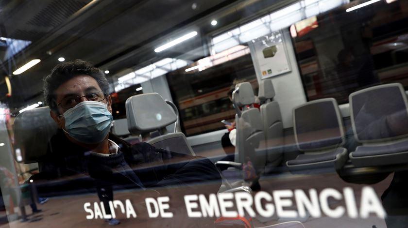 Covid-19. Região de Madrid estuda possibilidade de recolher obrigatório