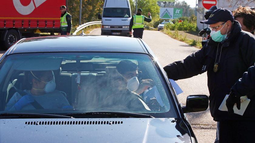 Portugueses de regresso a França não ficarão em quarentena, diz António Costa