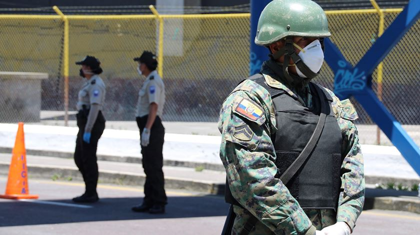 Equador. Autarca proíbe aterragem de aviões da Iberia e KLM por receio de contágio