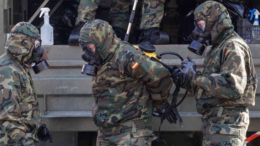 Militares chamados a ajudar durante a pandemia. Foto: Juan Herrero/EPA