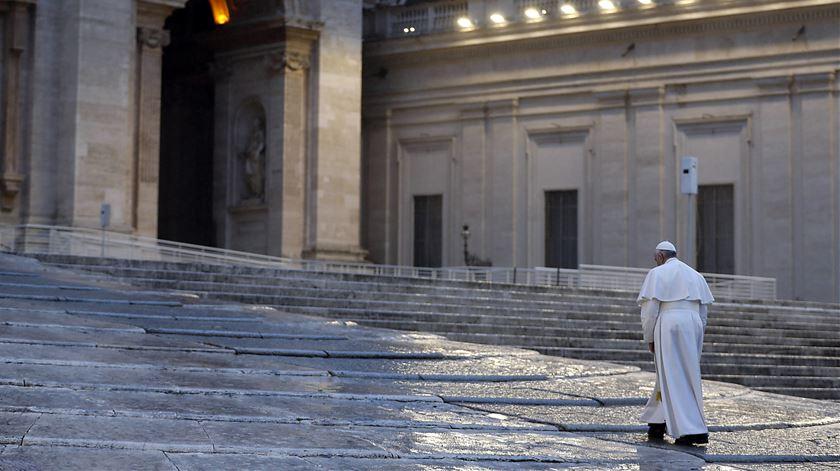 """Papa reza pelos diáconos, os """"guardiões do serviço na Igreja"""""""